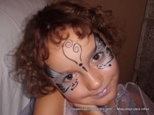 Maquillaje para niñas mariposa gris