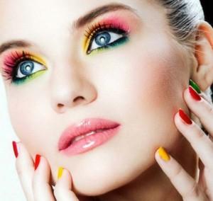maquillaje con inspiracion arcoiris